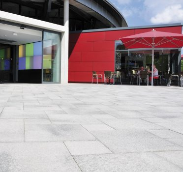 Rendsburg (D), Shopping center Rondo, Umbriano Grey granite-white textured