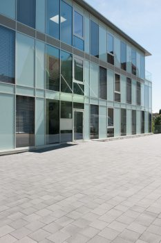 Bergisch Gladbach (D), Commercial Building, Umbriano Grey-anthracite textured.
